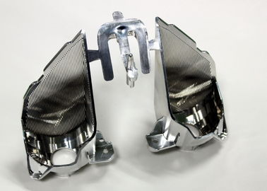 Secundaire verwerking die Automobieldelen van de Injectievorm, 2 holten met zijpoort plateert