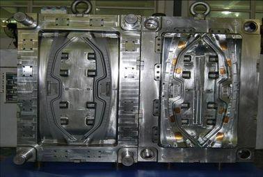Automobiel plastic injectievorm voor autodelen PA66 GF30 materiële hete agentvorm